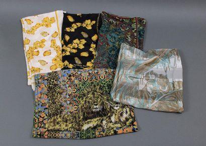 Lot de 5 pièces dont 2 foulards Jacques FATH...