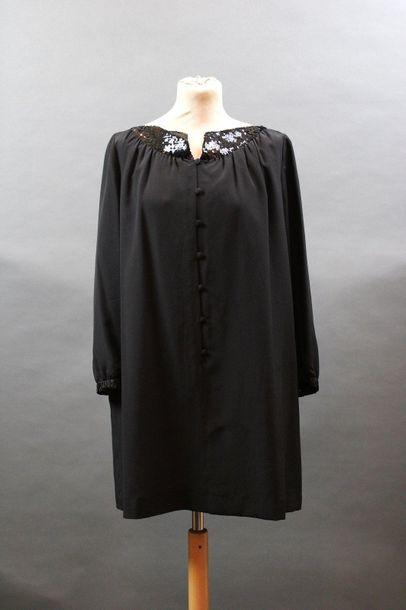 COURREGES, circa 1978  Mini robe en crêpe...
