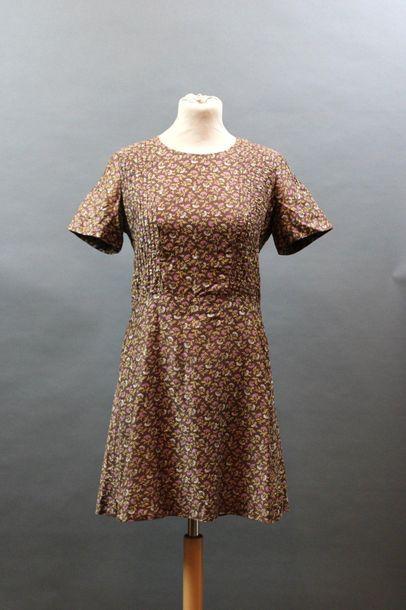CACHAREL, circa 1970  Robe en coton marron...