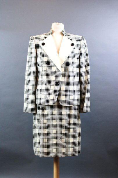 CELINE  Tailleur jupe en lainage à carreaux...