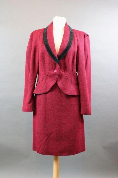 MORABITO  Tailleur jupe en lainage rouge...