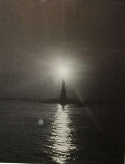 Amateur. The Light of Liberty (Statue de...