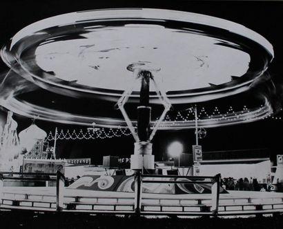 FETE FORAINE, Manèges de nuit. Circa 1960....