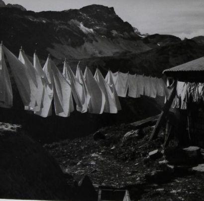 Robert THUILLIER. Portugal. Circa 1950. Ensemble de quatre tirages argentiques originaux...