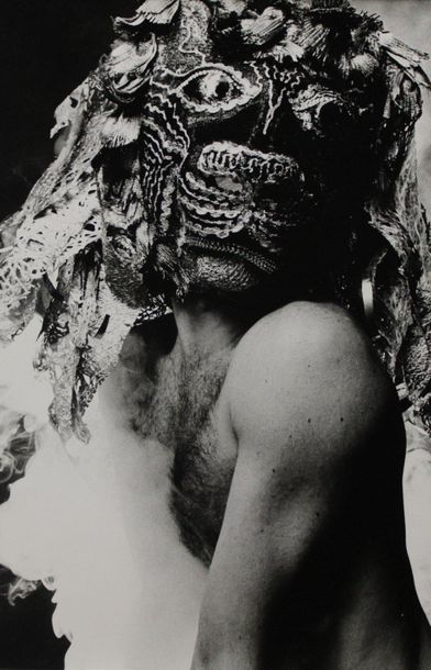 Photographe non identifié. Masques. Ensemble de neuf tirages argentiques. Formats...