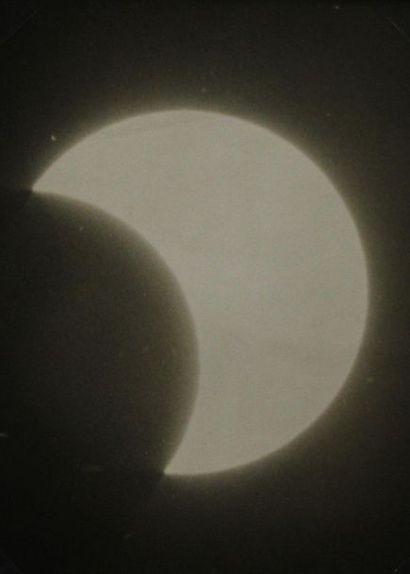 LUNE, Astronomie, Système solaire (sur les...