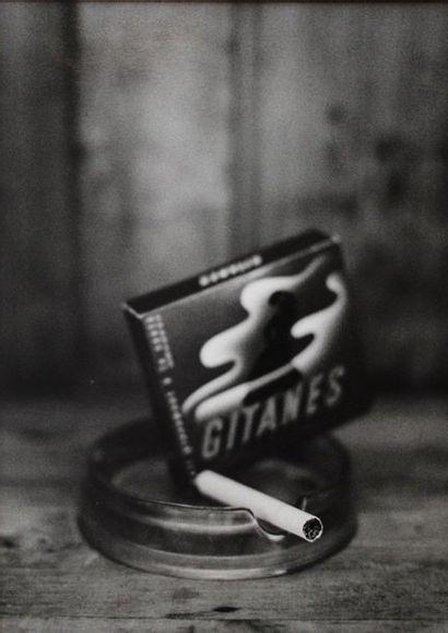 Photographe non identifié. Cigarettes