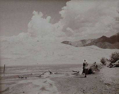 Photographe non identifié. Paysage montagneux....