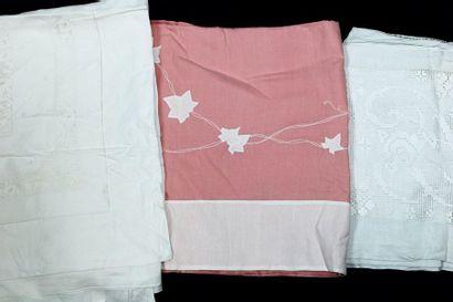 Lot de 3 draps: 1 en fil rose, applications...