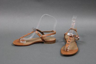 HERMES  Paire de sandales à entre-doigts...