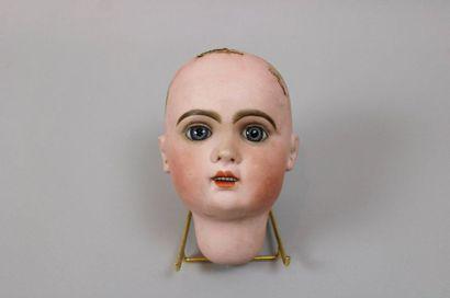 Tête de poupée JUMEAU en porcelaine, marquée...