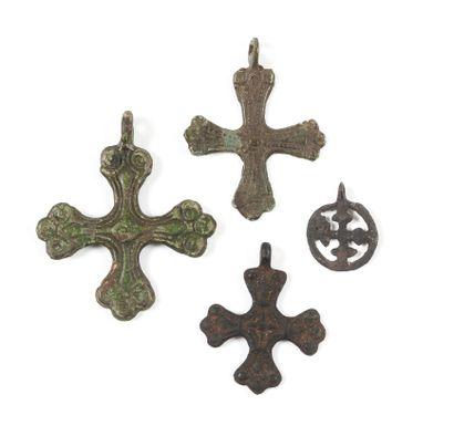Quatre croix. Kiev, Tchernigov, XIe-XIIIe...