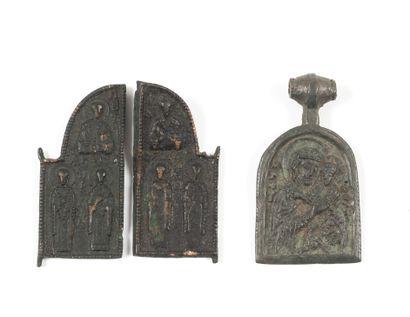 Icônette : la Vierge. XIIIe-XIVe s.  Bronze....