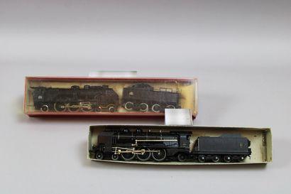 Lot de 2 locomotives à vapeur et leur tender...