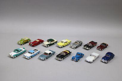 Lot de 14 voitures dont 4 SOLIDO et divers...
