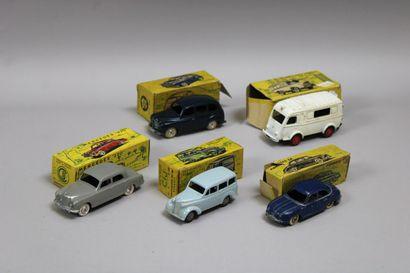 Lot de 13 véhicules de 5 véhicules CIJ dans...