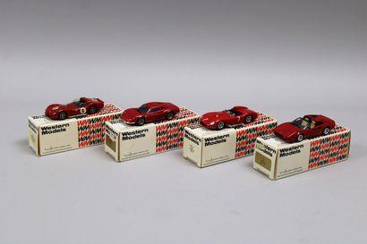 Lot de 11 véhicules dont 4 voitures rouges...