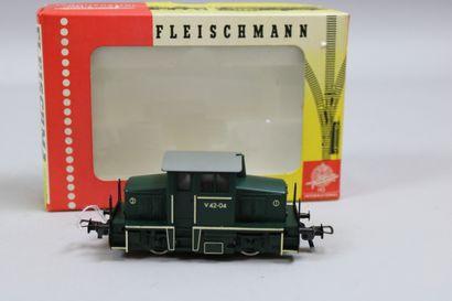 FLEISCHMANN HO  Petite Locomotive V42-04,...