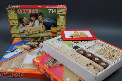 3 boîtes MATADOR de jeux en bois, n°714,629...