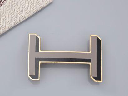 HERMES, boucle de ceinture H émaillée bicolore...