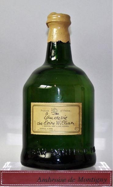 1 magnum EAU DE VIE de POIRE WILLIAM - J.DANFLOU...