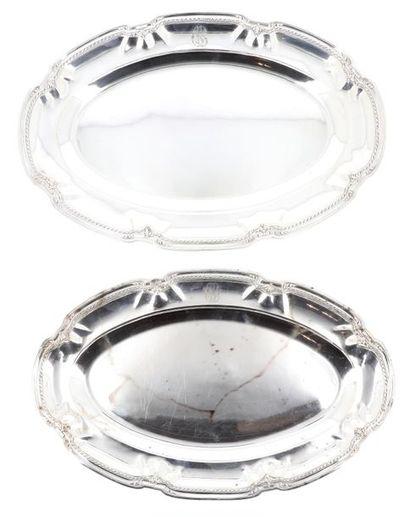Série de deux plats ovales et deux plats...