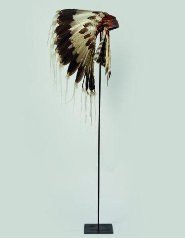 BELLE COIFFE AMÉRINDIENNE SIOUX Dite « Lakota...