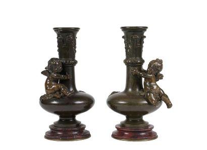 Auguste MOREAU (1834-1917)  Paire de vases...