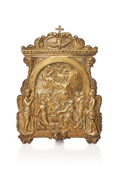 Baiser de paix en bronze doré figurant l'Ascension...