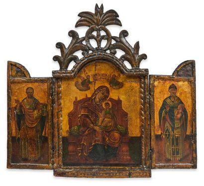 Icône triptyque figurant au centre la Mère...