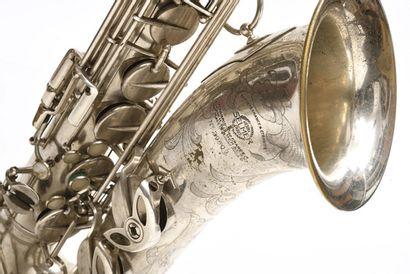 Saxophone Tenor SELMER portant la marque...