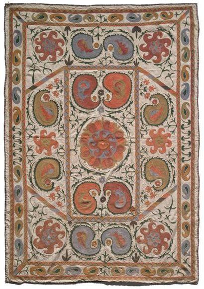 Suzani Ouzbékistan vers 1900 Tenture en coton...