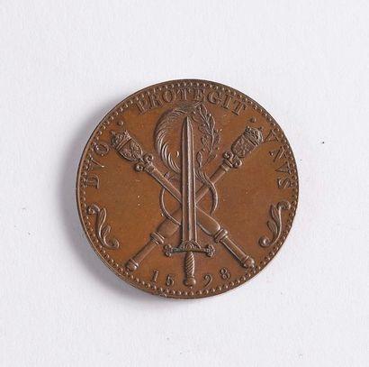 Henri IV Médaille en bronze orné sur l'avers du profil lauré d'Henri IV, roi de...