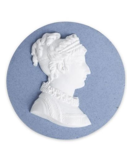 Marie-Thérèse de France, duchesse d'Angoulême (1778-1851). Médaillon en biscuit...