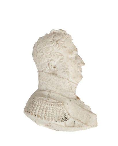 Profil en biscuit de porcelaine figurant Louis-Philippe de profil droit en tant...