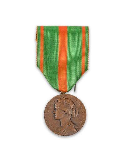Médaille des Évadés français, avec son r...