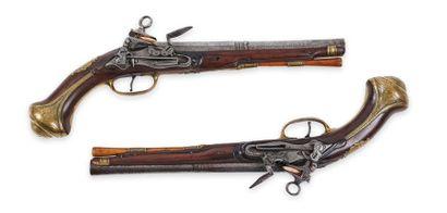 Paire de pistolets espagnol, à silex. Canons...