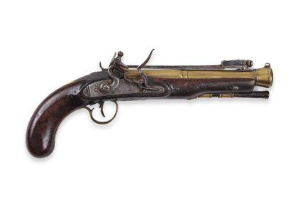 Pistolet britannique, à silex, à baïonnette. Canon rond, tromblonné vers la bouche,...