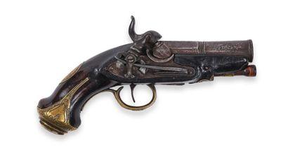 Petit pistolet espagnol, à percussion. Canon...