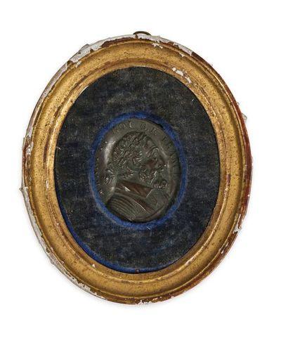 Henri IV Médaillon ovale en fine plaque de cuivre estampée représentant le profil...
