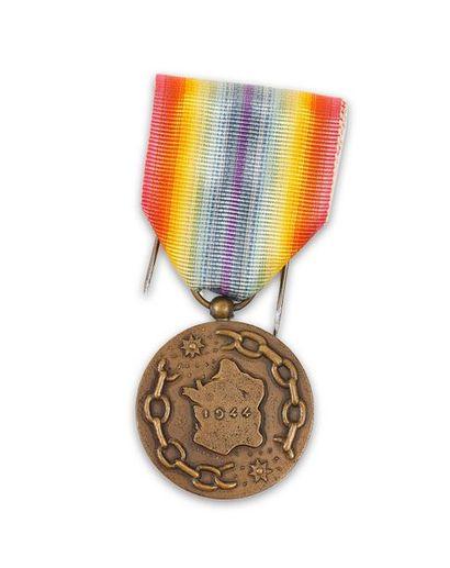 France Médaille de la France libérée en bronze,...