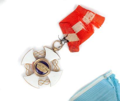 IItalie Ordre de la Couronne d'Italie. Croix de chevalier en métal doré et émail....