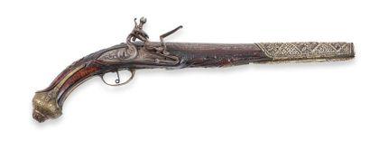 Pistolet oriental, à silex. Canon rond, à...