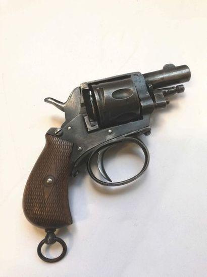 Revolver, type bulldog. 6 coups, calibre...
