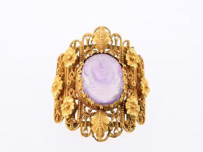 Broche composée d'un élément de bijou (transformation) en or jaune perlé 18k (750...