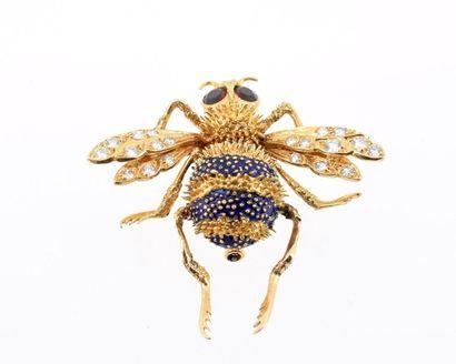 BOUCHERON Broche en or jaune 18k (750 millièmes) figurant un bourdon, le corps formé...