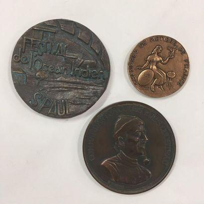 Lot de trois médailles commémoratives en...