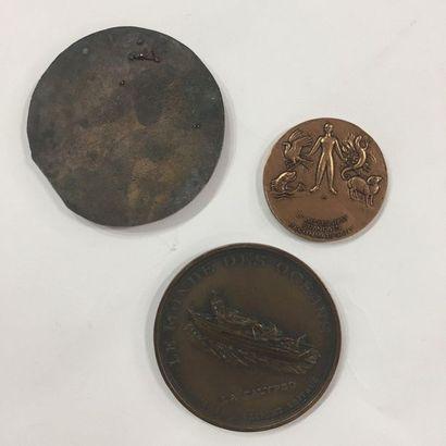 """Set of three commemorative bronze medals including: """"Festival de l'Océan Indien,..."""