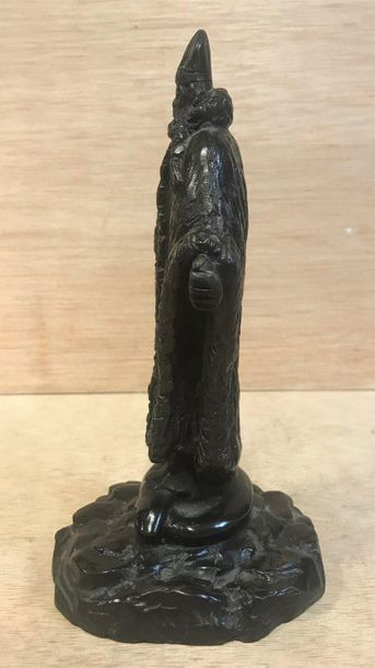 Modern school, 20th century  Bronze subject with a brown patina depicting a pope...