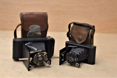 Deux appareils photos  Kodak Anastigmat  Zeiss...
